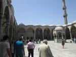 pelataran masjid