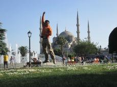 Taman Antara Hagia Sophia dan Blue Mosque