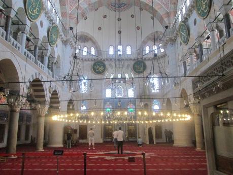 Interior Dalam Mimar Sinan Camii