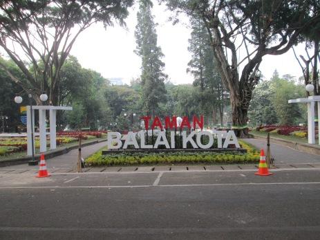 Taman Balaikota
