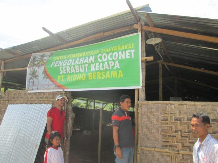 Pembuatan Coconet Serabut Kelapa sebagai salah satu Ekonomi Kreatif Pemberdayaan Masyarakat oleh PT.Newmont